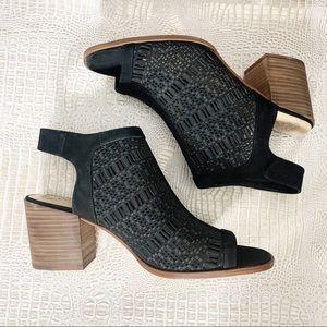 Vince Camuto Women's Keannie Block Heel Sandals